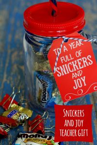 cute-and-easy-snickers-and-joy-teacher-gift-on-lilluna-com-teachergift