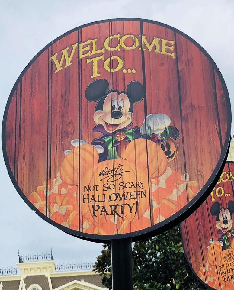 Mickeys Halloween